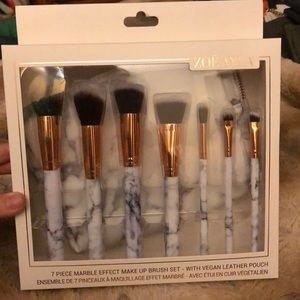 Zoe Ayla 7 piece marble brush set with pouch